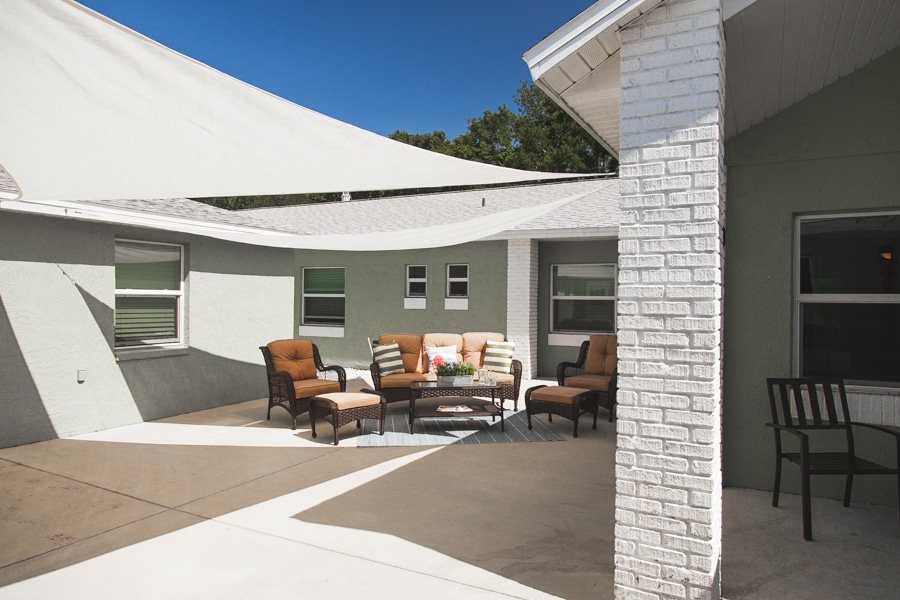 Outdoor lounge area of New Port Richey assisted living facility.